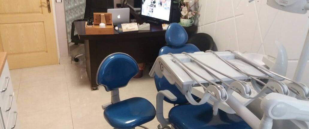 عيادة الدكتور رستم زاده لزرع الأسنان